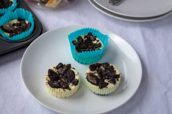 Cookies & Cream Mini Cheesecakes   How to Be Awesome on $20 a Day