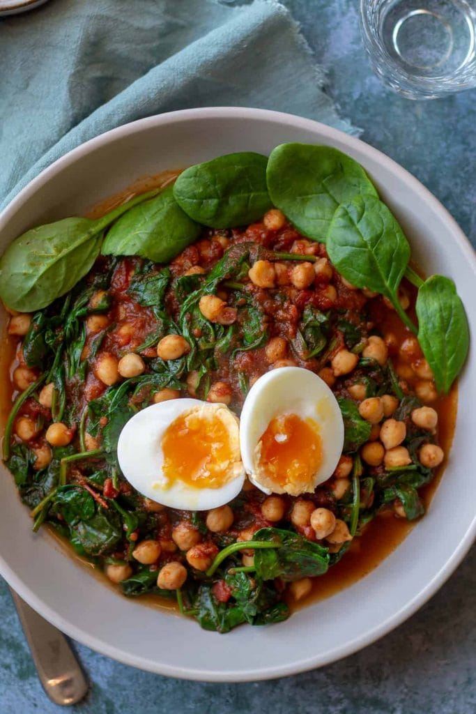 Chickpea & Spinach Curry with egg from above