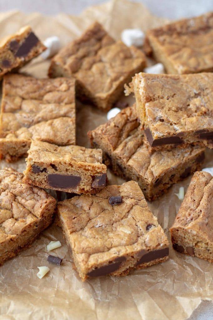 Chewy Chocolate Chip Cookie Bars with chocolate chunks
