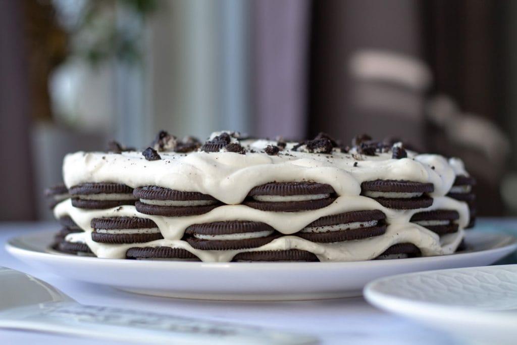 Cookies & Cream Fridge Cake whole cake layers